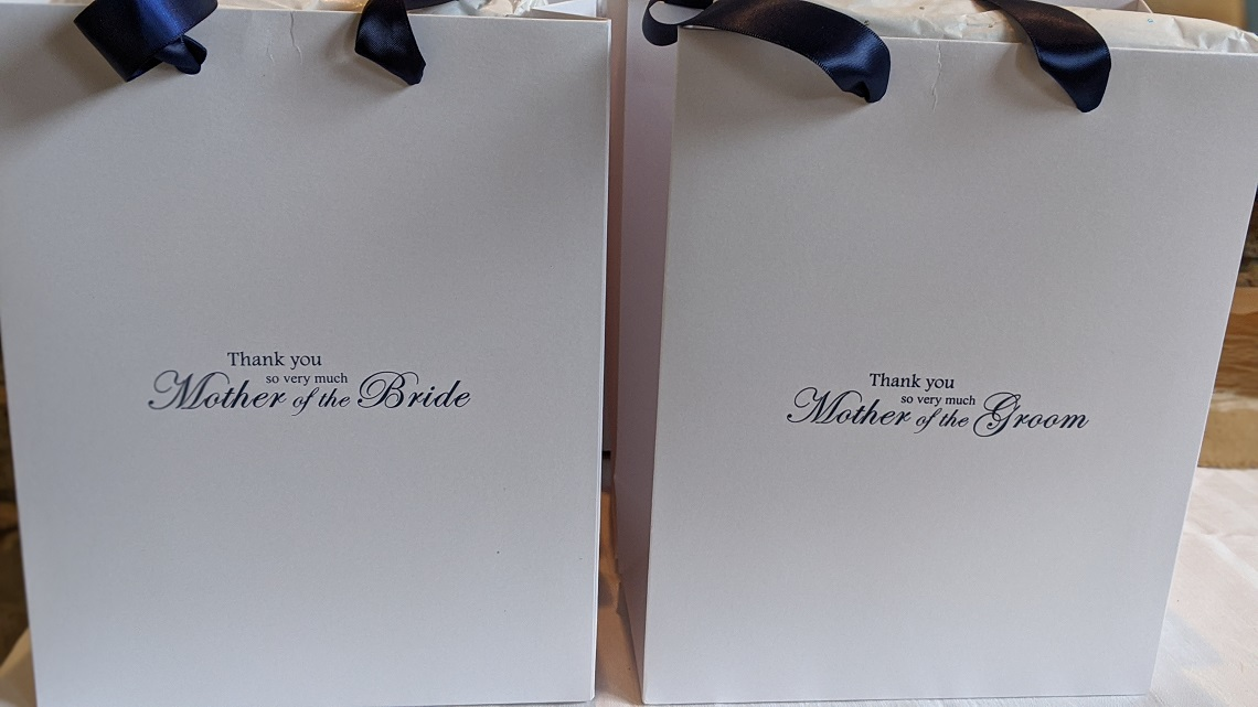 wedding guests gifts